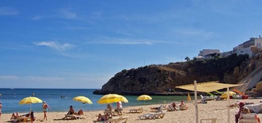 albufeira-town-beach-algarve